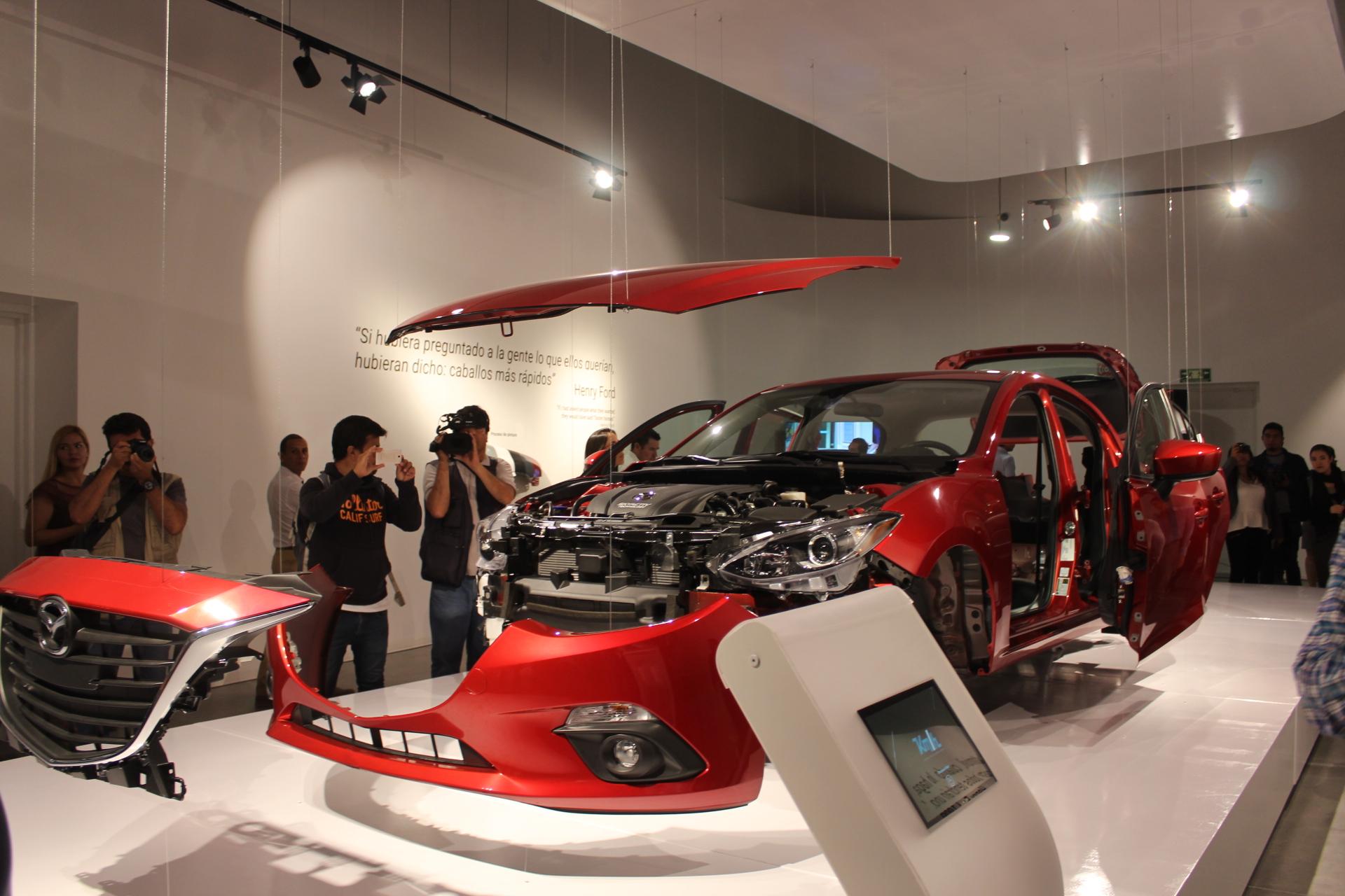 Abren Museo del Automóvil en Parque Bicentenario - El Otro Enfoque ...