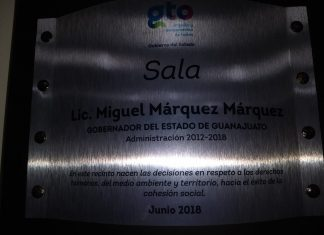 Miguel Márquez Márquez placa Medio Ambiente