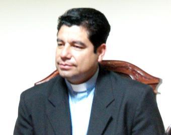El padre Jorge Raúl Villegas.